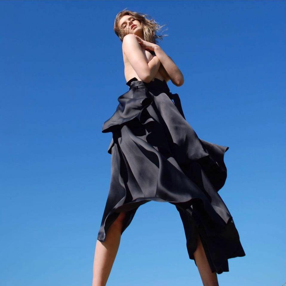 5ad2529df56 Selle sügise Tallinn Fashion Weeki üks säravamaid hetki on Londonis  resideeruva Eesti moelooja Kristian Steinbergi etendus.